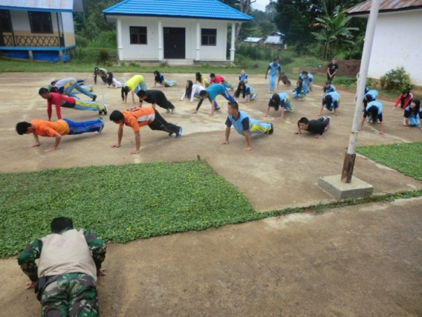 Push Up dulu sama tentara