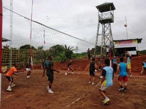 Lomba volley tentara PAMTAS lawan SMA n 9 Malinau Long Ampung