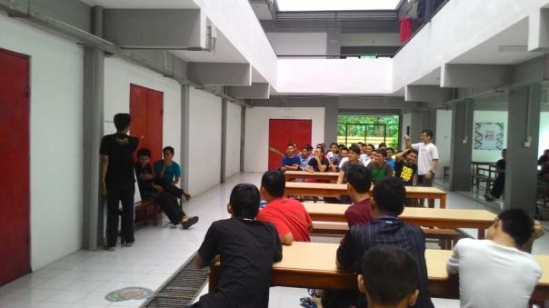 suasana pemilihan Pak Lurah PPG SM3T UNY Angkatan III